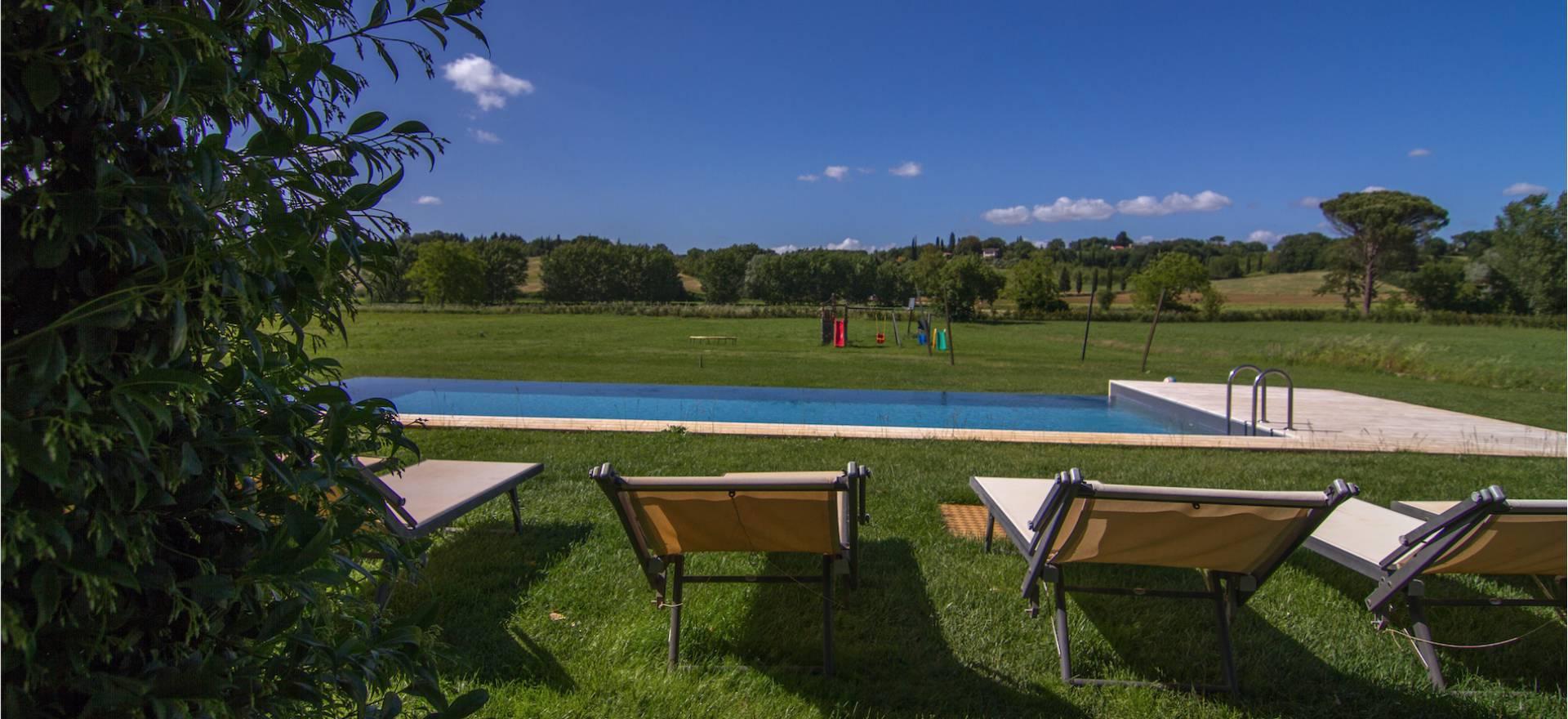 Agriturismo bij Siena met zwembad en luxe appartementen