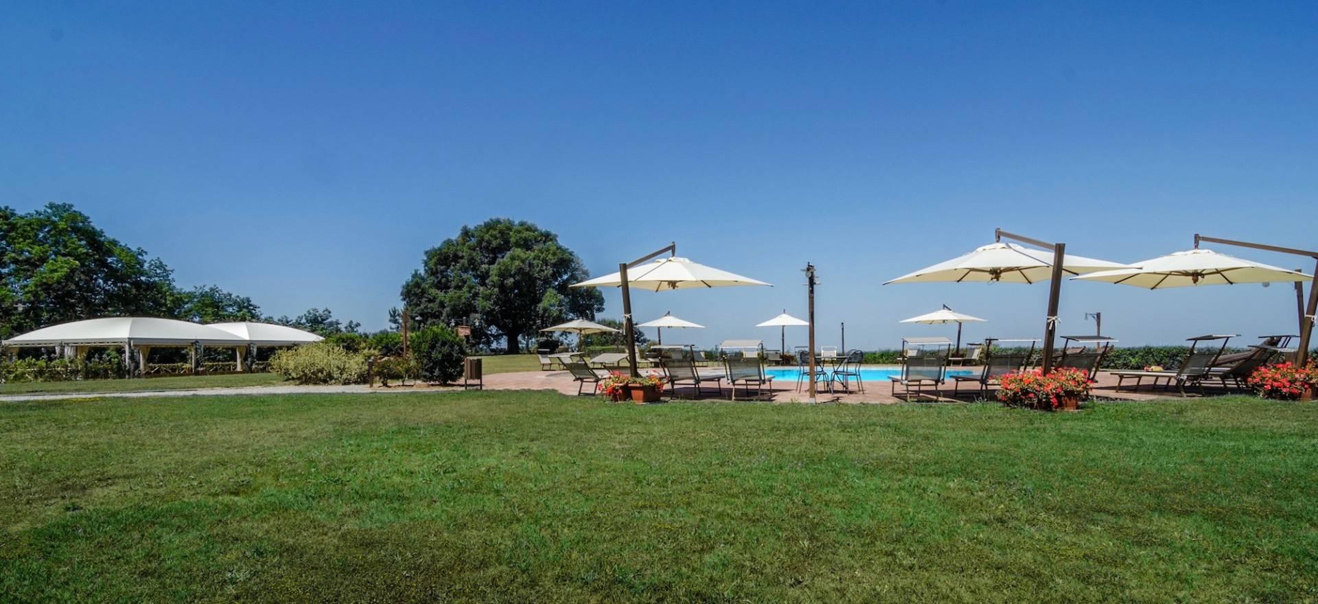 Agriturismo met panoramisch zwembad in Toscane