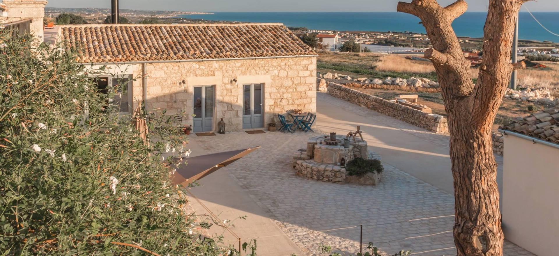 Agriturismo Sicilie Siciliaanse gastvrijheid en uitzicht op zee!