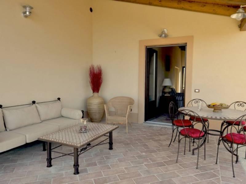 Agriturismo Toscane Agriturismo met luxe huizen op een heuvel in Toscane